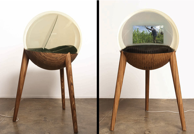 <i>Mirror/Africa 2008</i><br>bamboo plywood, mirror, glass</br>